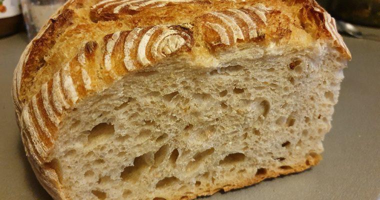 Domaći bijeli kruh